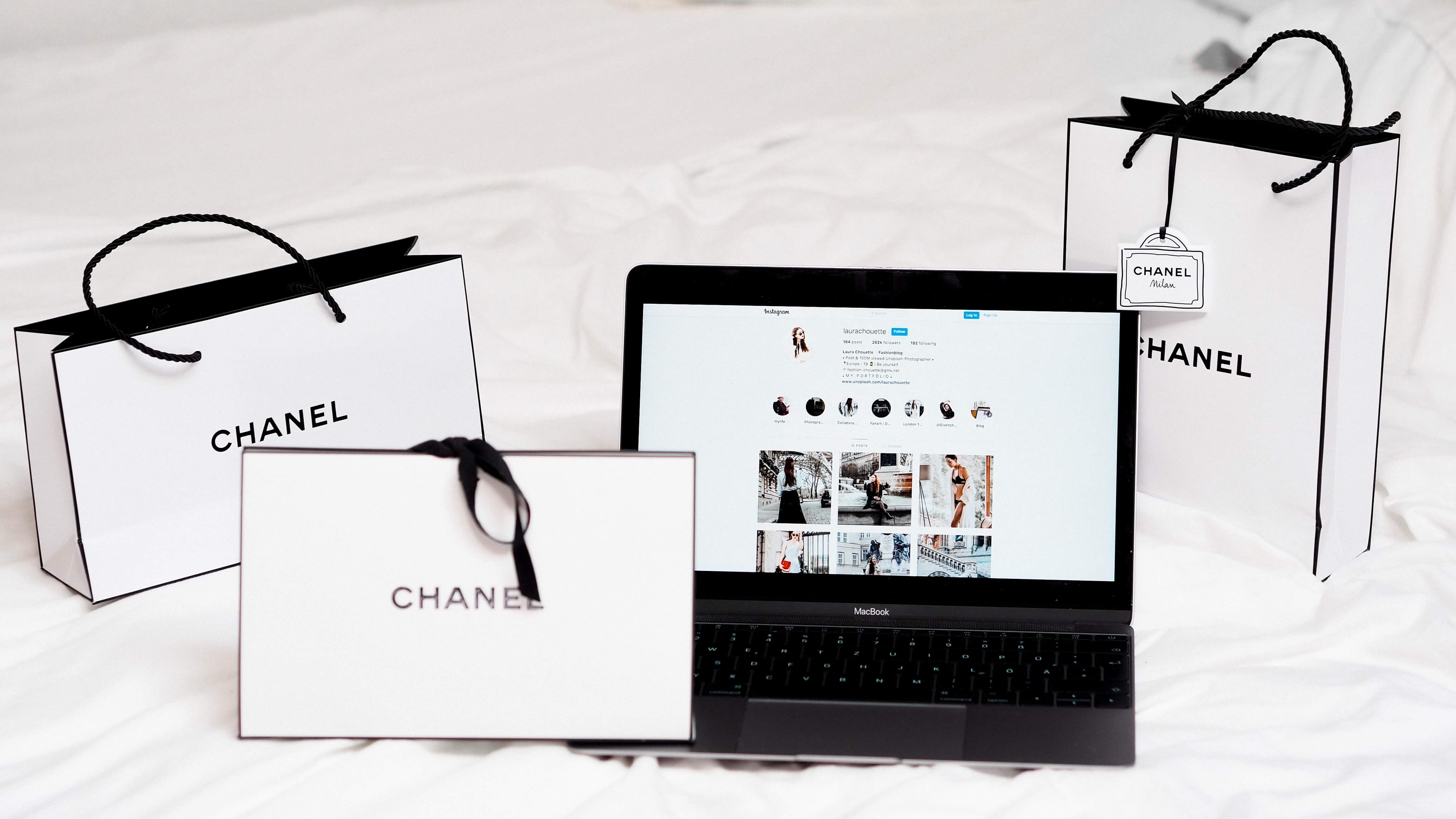 Front Commerce Chanel Customer Journey Banner Ecommerce